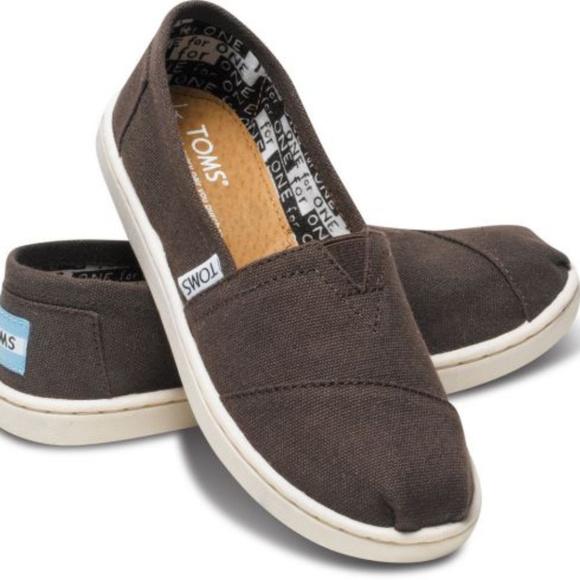 1ca8939faad TOMS Youth Classics Chocolate Canvas Shoes Kids Ne